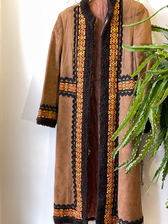 70s penny lane embroidered suede coat - image 6