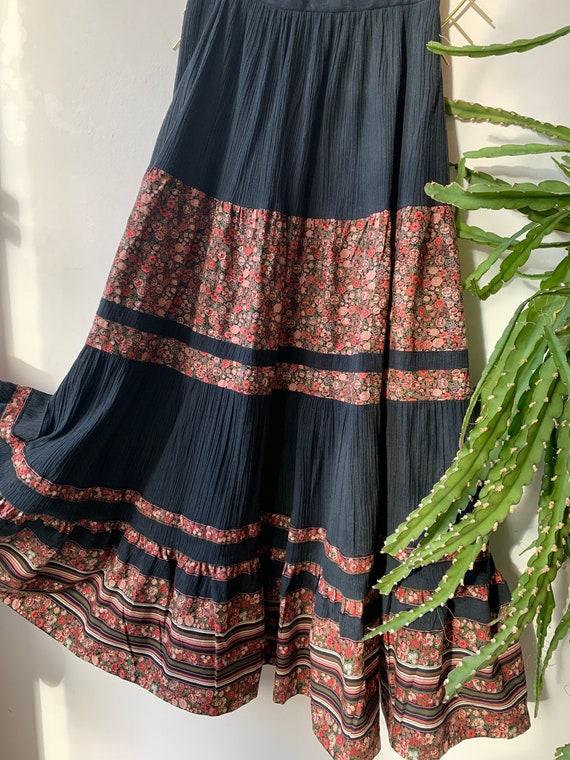 Vintage bohemian flower maxi skirt