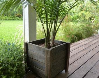 Reclaimed wood box planter