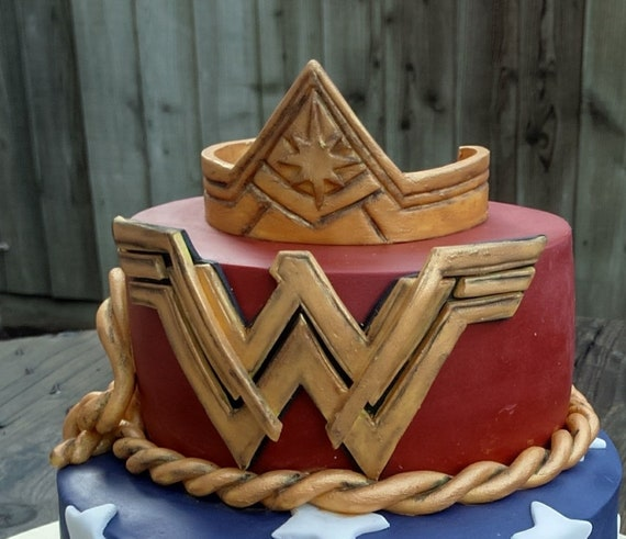 Wonder Woman Crown And Symbol Personalized Cake Topper Etsy