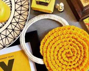 Tagetes Marigold Purse Crochet Pattern - INSTANT DOWNLOAD - Ruffle Spiral Purse