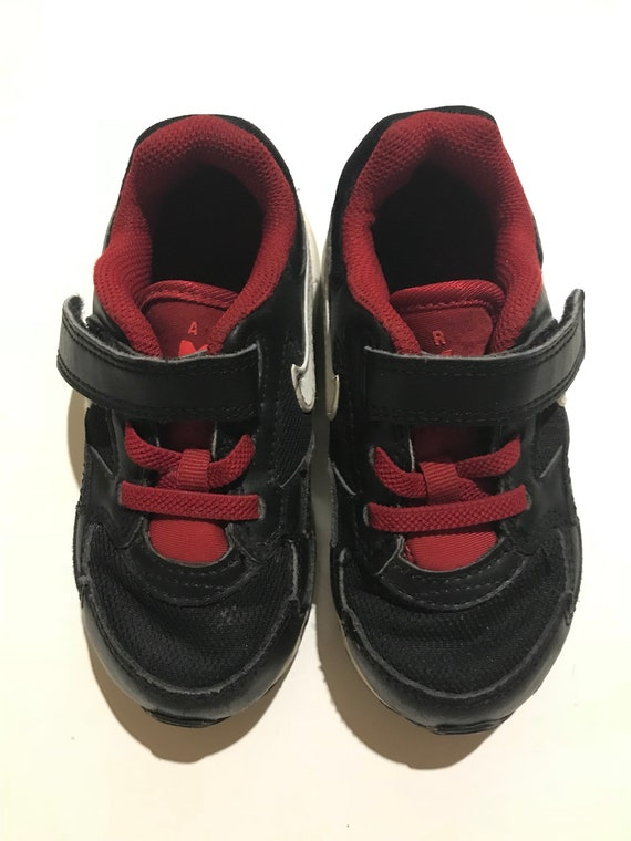 7c6f87d36b163 Children's Genuine Nike Air Max Shoes / Black And Red / HELLA COOL / Size  8C (US) / White Platform And Tick / Designer Sneakers For Kids