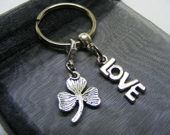 Word Love & Irish Shamrock Charm Keyring With Gift Bag - UK Seller (NC)