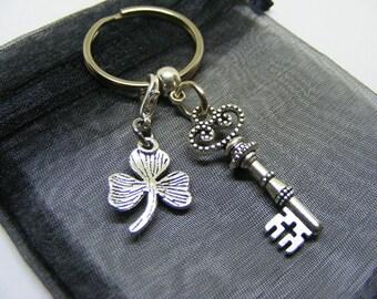 Gothic Key & Irish Shamrock Charm Keyring With Gift Bag - UK Seller (NC)