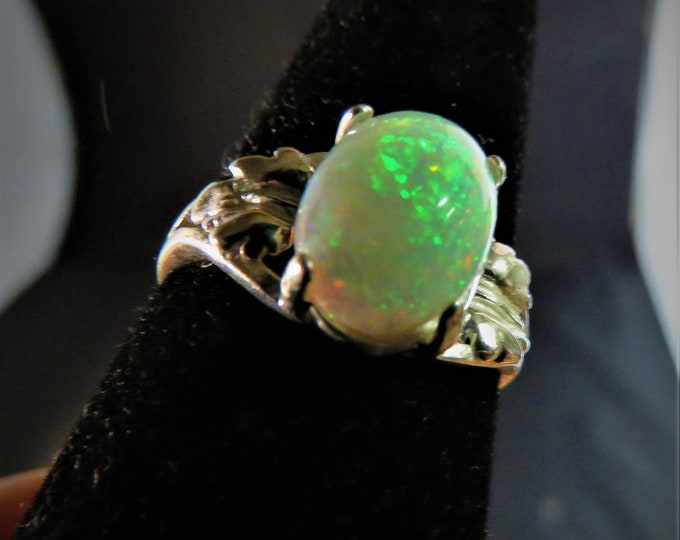 Opal, Natural Exotic African Gem; Large 10mm x 8mm Oval Ring Setting, Natural Opal Has Excellent Color Play; 1.7 Ct; Stunningly Beautiful !