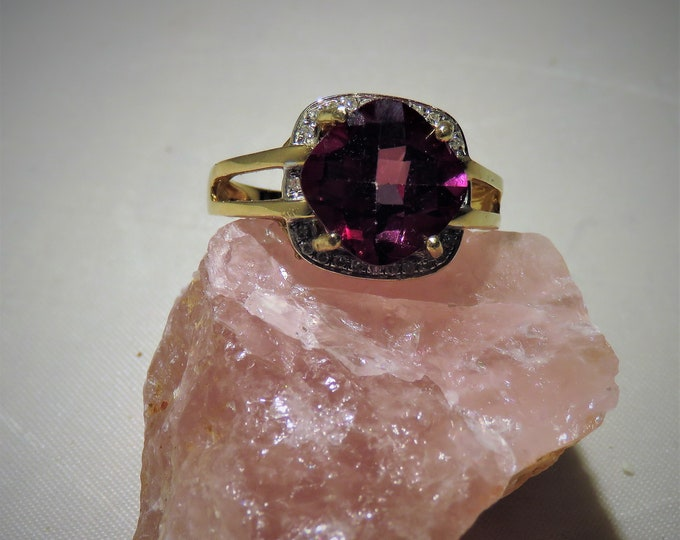 Raspberry Topaz Ring. Gorgeous,14K Gold Setting; Unique Gem, 10x10mm Square Cut, Sz 7 Ring.  One of the Most Rare Topaz Colors.  BEAUTIFUL!!