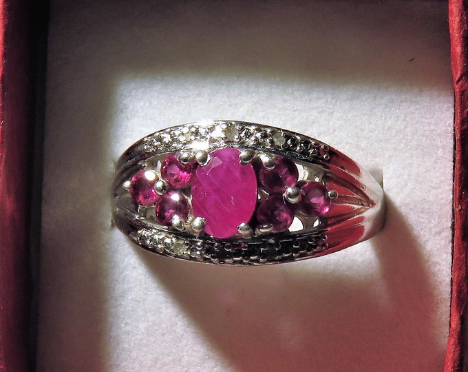 Red. Spinel. Vintage. REDUCED. Ring. W/ 6, 2/3mm Pink Garnet Side Stones. Set in Sterling Silver.Late Victorian Style.Gorgeous Natural Gems.