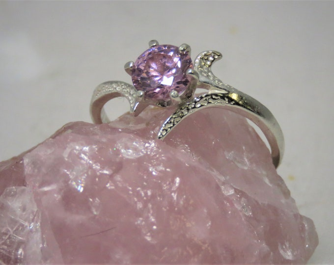Pink Sapphire Ring.  Sri Lanka Sapphire Gem, 6mm 1 Carat, Set in Sterling Silver Fantasy Flower Ring.  Superb Color, Great Fire & Brilliance