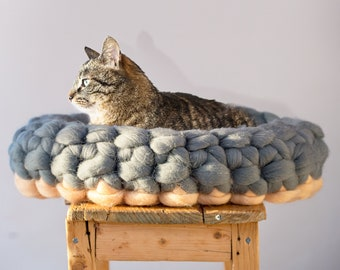 Peach Blue Oval Cat Bed, Chunky Cat Mat, Chunky Knits Merino Pet Bed, BureBure Pet Furniture, Knitted Wool Cat Furniture Wool Cat House