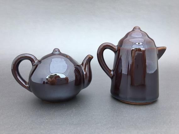 merveilleux brun foncé tea-pot Maison de Poupées