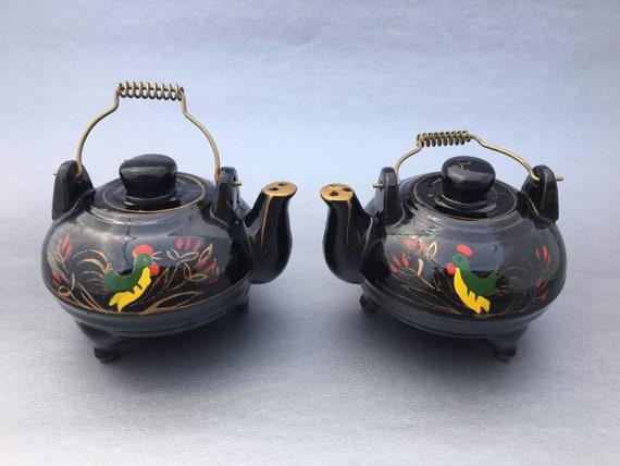 Tea Pot Salt and Pepper Shakers
