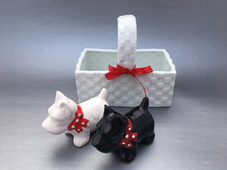 Scotties with White Basket Salt and Pepper Shakers-Ceramic-Vintage-Collectible-Dogs-White Basket-Red Bows-Made in Korea-Scotties in Basket