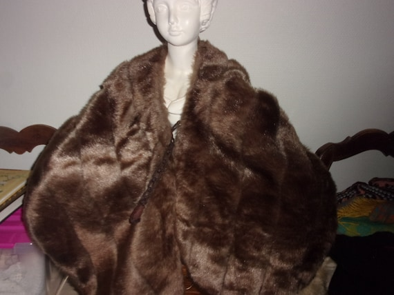 Fur cape, large fur cape lined quilted