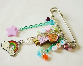 c4cda820de1 Silver pin brooch *Buddy* kitch, cute, quirky