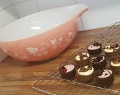 Vintage JAJ Pyrex Pink Gooseberry Cinderella Mixing Bowl (444) With Stars 1959