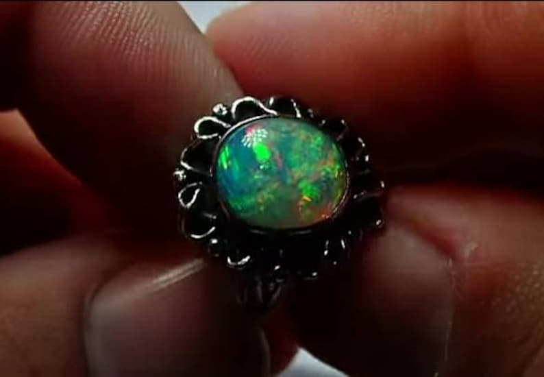 Well opal ring and pendant set