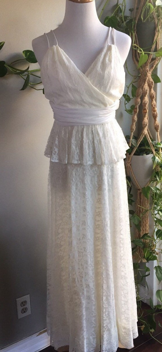Vintage union made 80's 90's white cream lace pepl