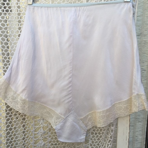 1940's vintage baby blue rayon tap pants