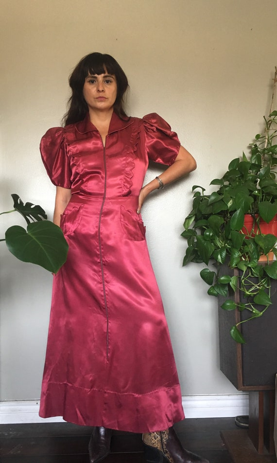 Late 1930's early 1940's satin dressing gown in a