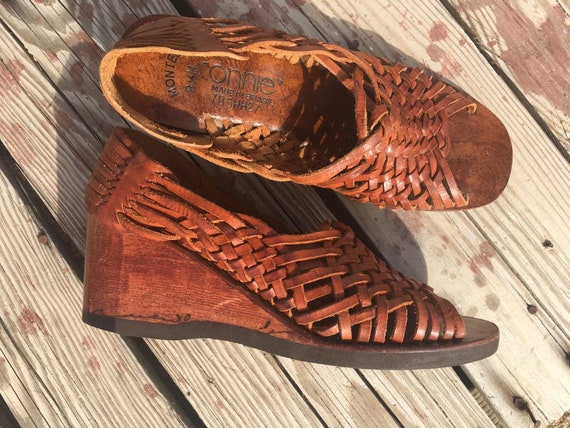 Vintage 1970's brown leather  wooden huarache clog