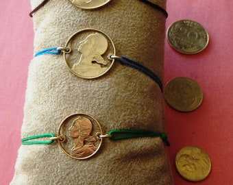 Bracelet with coin