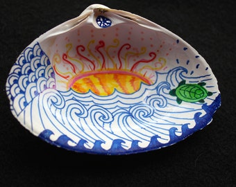 Zentangle-inspired Shell Art Jewelry Dish Décor