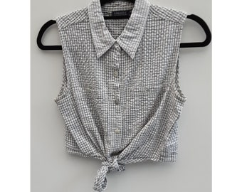 Size Medium Vintage Ragazza Collection Tie Crop Blouse White and Blue Check Print Button Up Sleeveless Cotton Summer Top