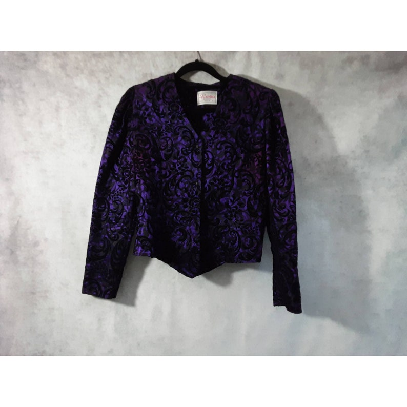 UK 12 Vintage Petites Expressions Purple and Black Brocade Lace Floral Embroidered Button Up Jacket