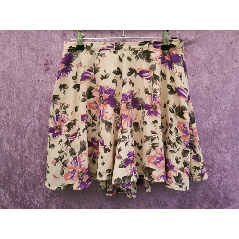 Vintage Noela High Waist Beige and Purple Flower Leaf Print image 0