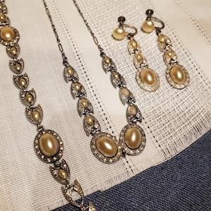 German vintage resin feather fashion earrings 1950s clipons Grey Copper plastic non-pierced Rhinestone Artist mark