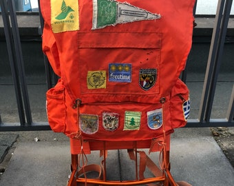 5e59e08a782 Vintage 70s Dutch hiking frame backpack