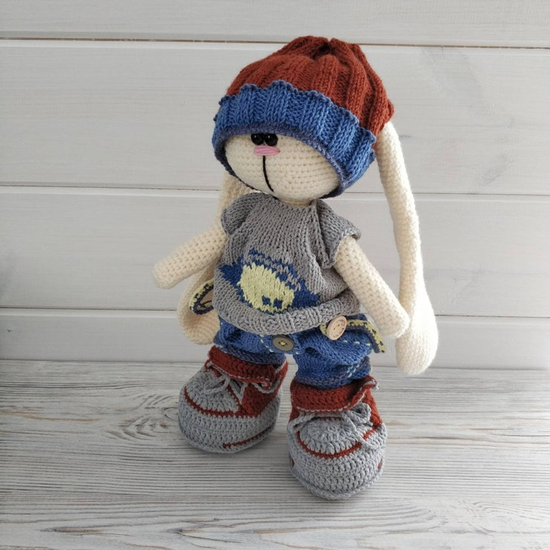 Long Eared Bunny Amigurumi - Crochet Pattern & Tutorial - Creativa ... | 794x794