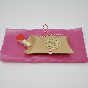 MB gift wrap for leather necklace with Pendant