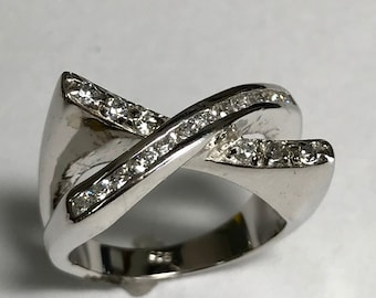Sterling Silver 3 Dimensional Simulated Diamond Criss Cross Ring