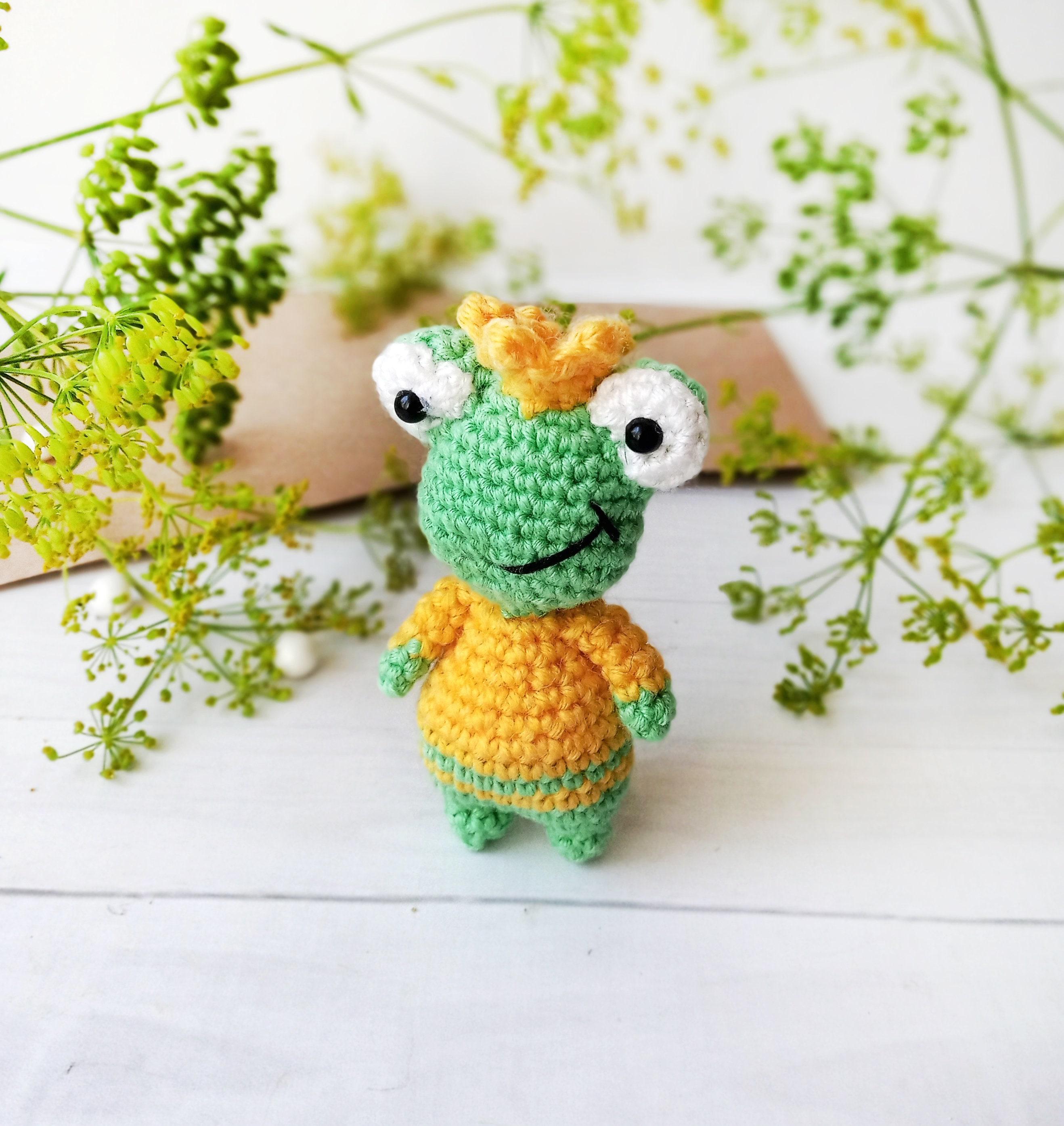 Mini keychain amigurumi toy, toy frog, keychain for School backpack, keychain for bag