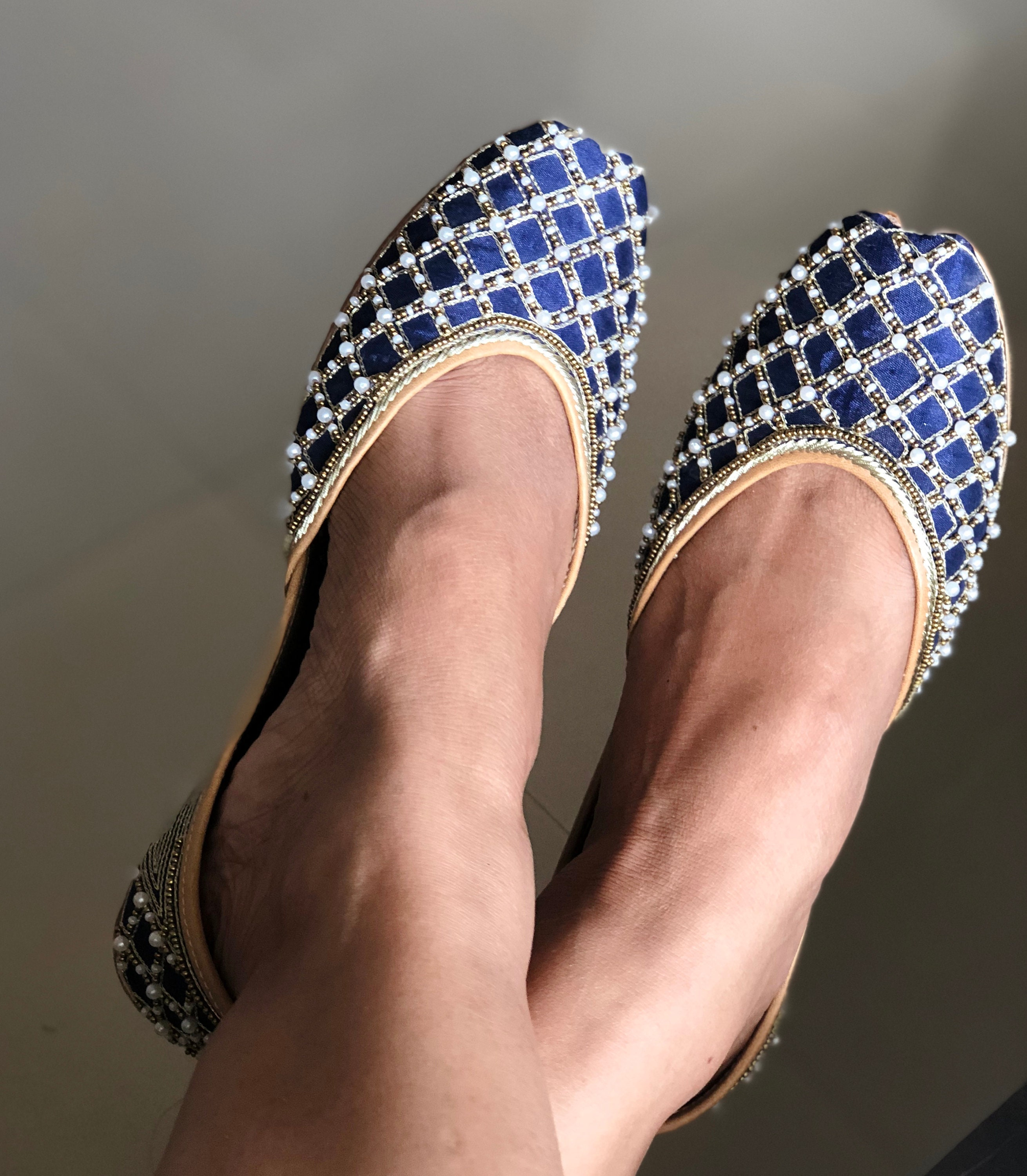 embellished  shoes, wedding shoes, bridal blue shoes,  beaded footwear, indian shoes / juttis/ mojaris / Khussa/jooties 57abee