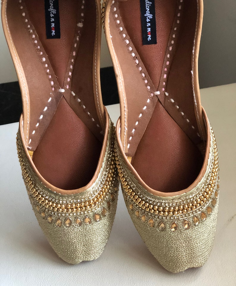 dce0bd203582b2 Gold embroidered party shoes Gold bridal women jutti Indian