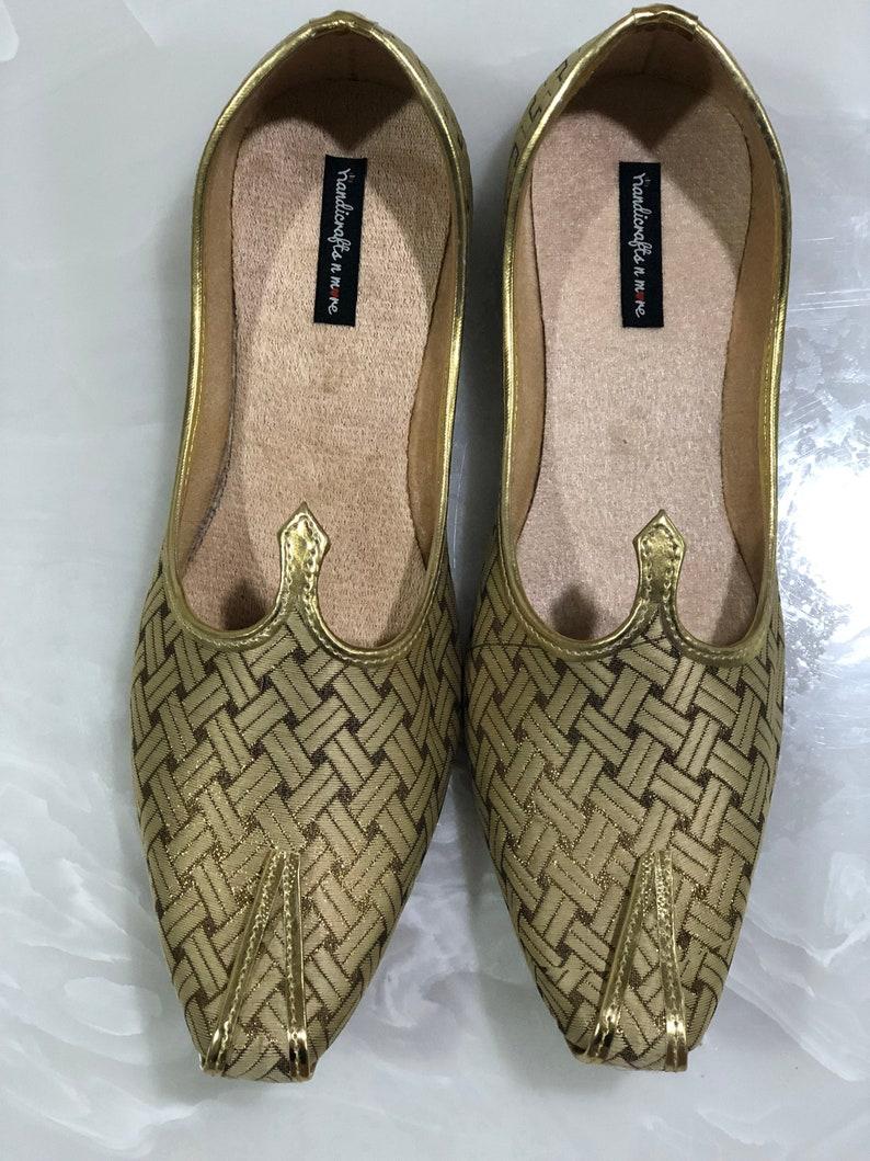 8f37591d86e Gold Indian wedding shoes Khussa Mens Flats Mens Slippers