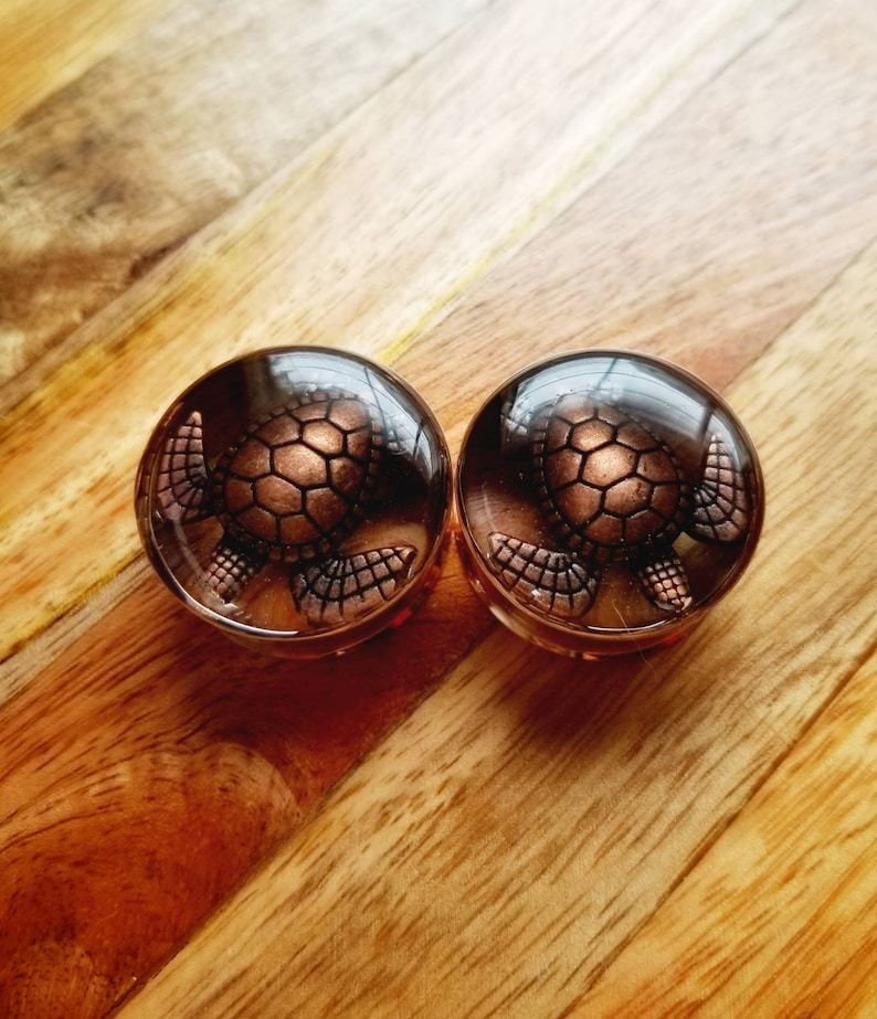 plugs with copper colored turtles and magnesite stones rose gold tunnels 25mm 1