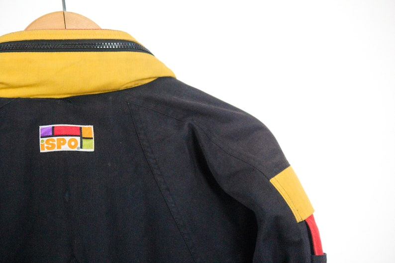 VNTG 90s Black Jacket with yellow and red accents  Manteau vintage noir ann\u00e9es 90