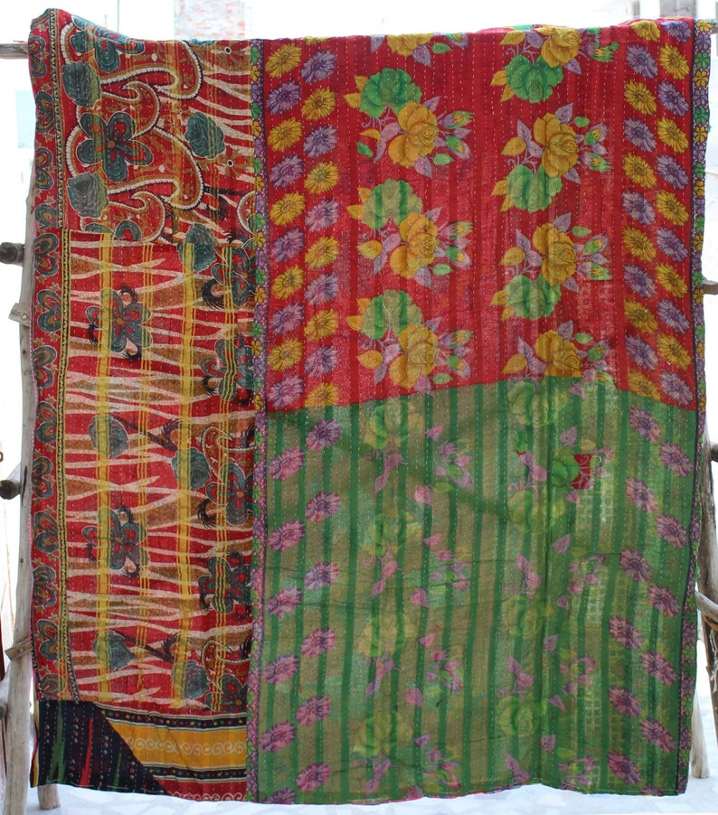 Handmade Kantha Quilt Floral Design Reversible Kantha Blanket Indian Sari Kantha Throw Bohemian Kantha Bedspread Cotton Kantha Bed Cover