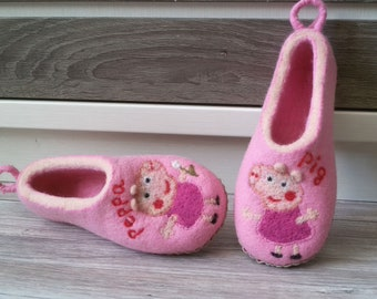 """Felted Slippers """"Peppa Pig"""""""