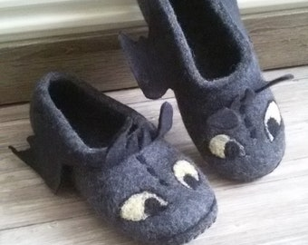 """Felted Slippers """"Toothless"""""""