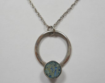 Beautiful Simply Crafted Circle Pendant With Crushed Stone Inlay Sterling Silver Necklace,925,Silver,Sterling,Simplistic,Natural,Stone,Inlay