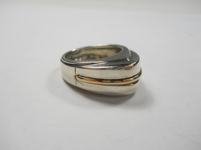 Vintage 8mm Triangular Risen With Gold Band Sterling Silver Ring