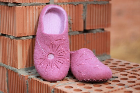 winter with women and purple vegan Felted slide birthday gift boots shoes flower slippers slippers 50th clogs pink felt wool organic house qAxxvX