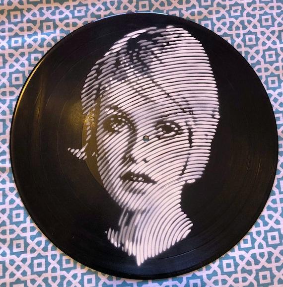 TWIGGY – Stencil on Vinyl- Artwork Coots by Boixo (the dancer)