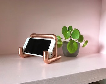 Tablet or phone stand in copper pipe