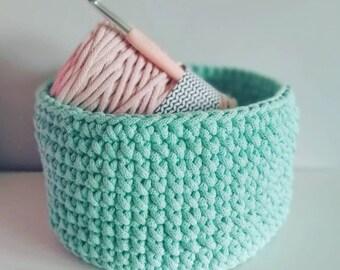 Mint crochet basket