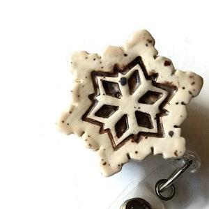 Handmade Retractable Reel for RN CNA Christmas Gift for Nurse Quilting Scissor Holder Fob Ceramic ID Badge Reel Christmas Snowflake